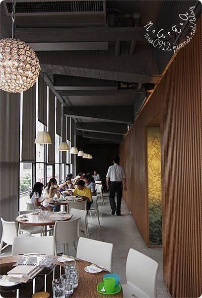 03.二樓用餐區.jpg