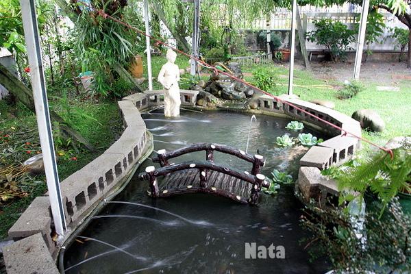 03.園內小橋流水的噴水池.jpg