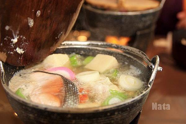 05.鮭魚火鍋.jpg