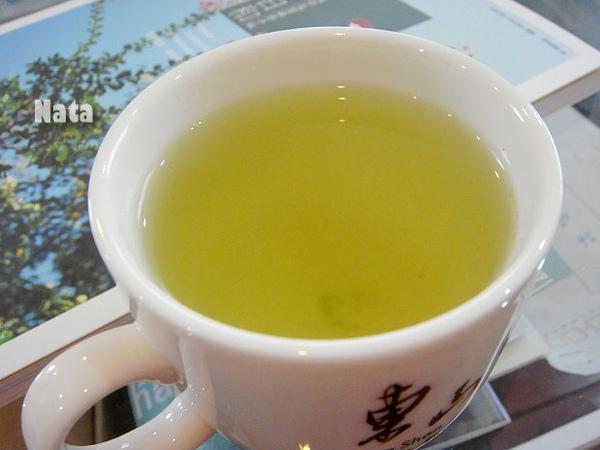 07.穎娃的茶湯色澤.jpg