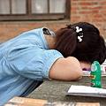 17.累得睡著的女孩兒.jpg