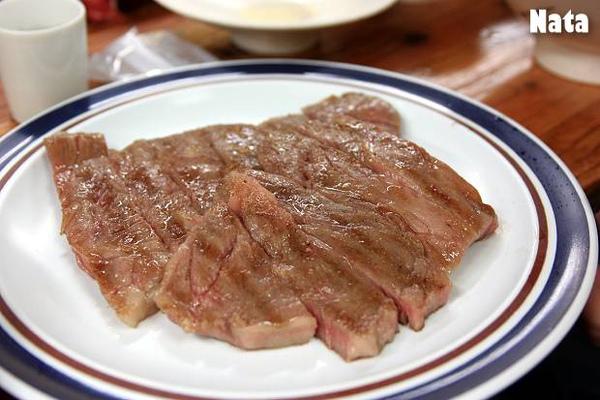 01.北海道一分熟牛排.jpg