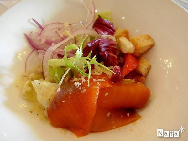 13.燻鮭魚凱薩沙拉.jpg