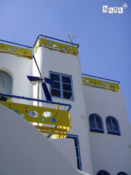 02.陽光的地中海風情建築.jpg