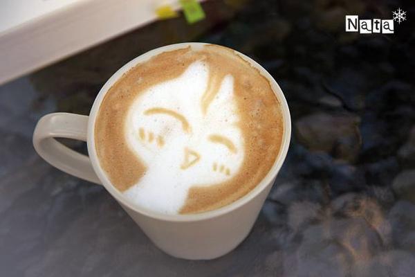 白兔子奶泡畫花.jpg