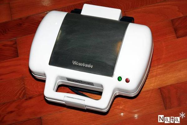 04.白色的Vitantonio鬆餅機.jpg