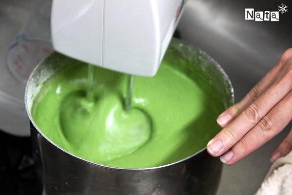 03.澄綠色的麵糊很是迷人.jpg
