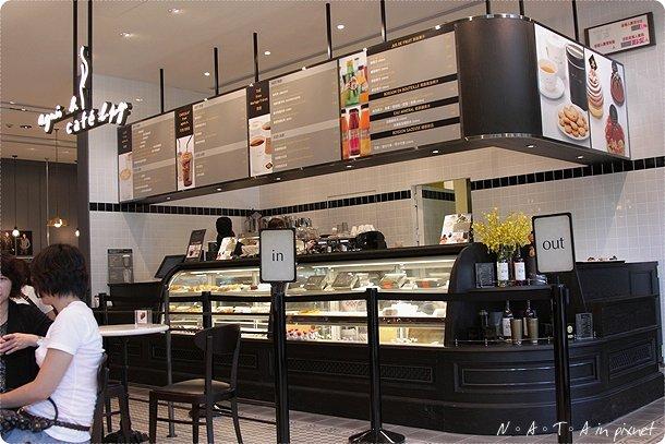 03.agnes b cafe點餐處.jpg