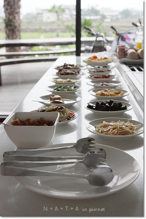 水畔星墅-美味早餐01.JPG