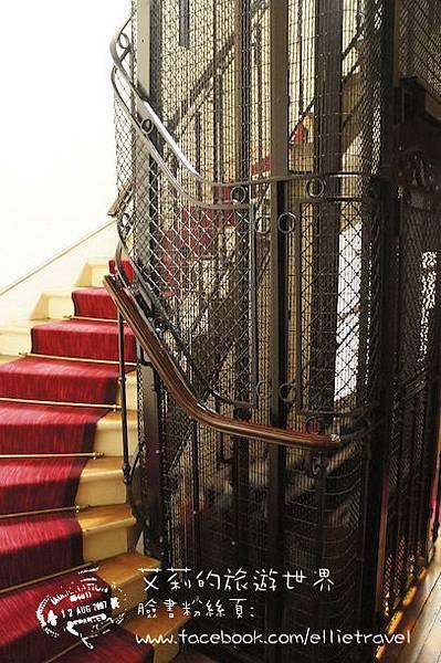 paris spiral stairs