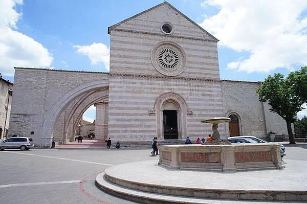 Assisi-阿西西-San Pietro-義大利03