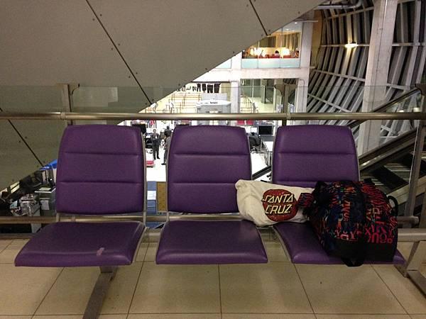 曼谷機場過夜2