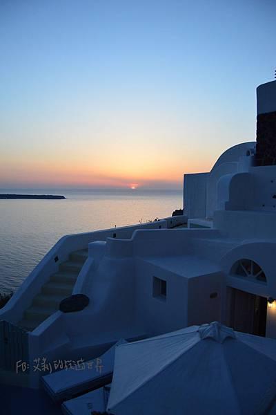 Oia-Mare-Villas-Santorini-Sunset-聖托里尼.jpg