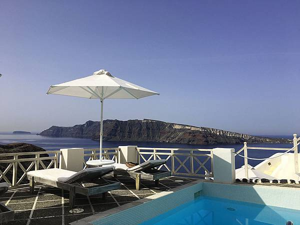 Oia-Mara-Villas-Swimming-Pool.jpg