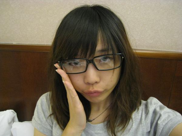 中型眼鏡是隱形眼鏡的好幫手