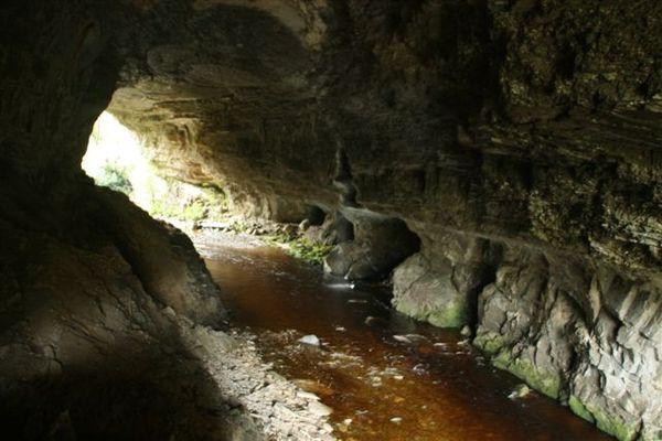 拱僑下方隧道