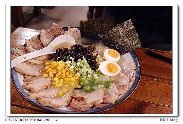 【探美食】武吉屋台(農安街)~380元的超大份量花瓣拉麵+高品質的關東煮!