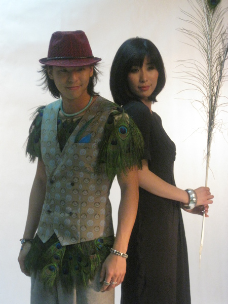 設計師-厲寧(兩件服飾都是她量身打造設計的)