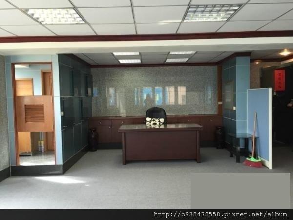 台元科技角間採光辦公室2.jpg