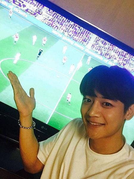 150912 SBS sport 直播的曼聯vs利物浦的英超聯賽中,珉豪獻
