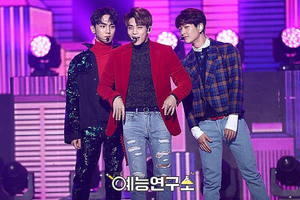 【官方圖】161224 Music Core-8