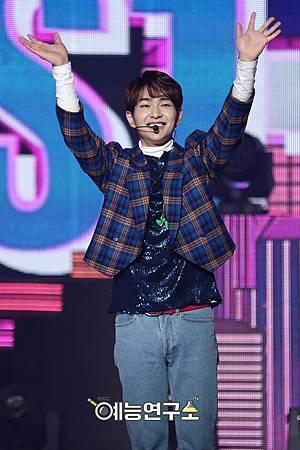【官方圖】161224 Music Core-O