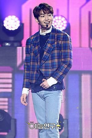 【官方圖】161224 Music Core-O1