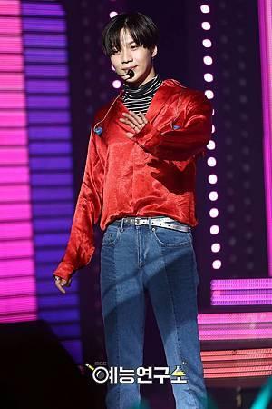 【官方圖】161224 Music Core-T2