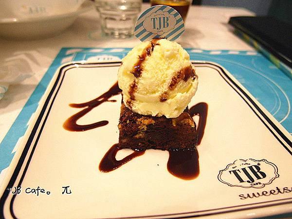 TJB Cafe(29)