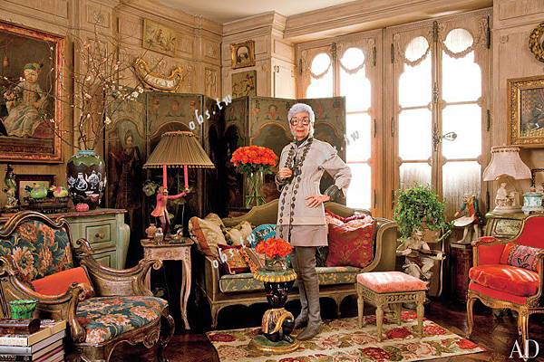 item0.rendition.slideshowWideHorizontal.iris-apfel-apartment-01-portrait