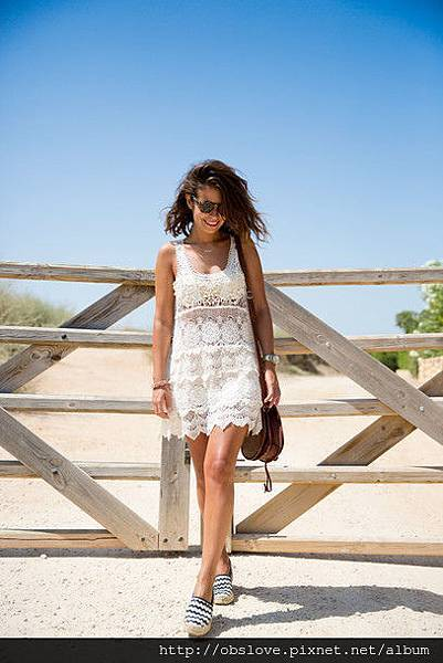 umw80y-l-610x610-dress-crochet-fashion-blogger-street-style-blogger-beachwear-beach-cover-up-lace-dress-collage-vintage