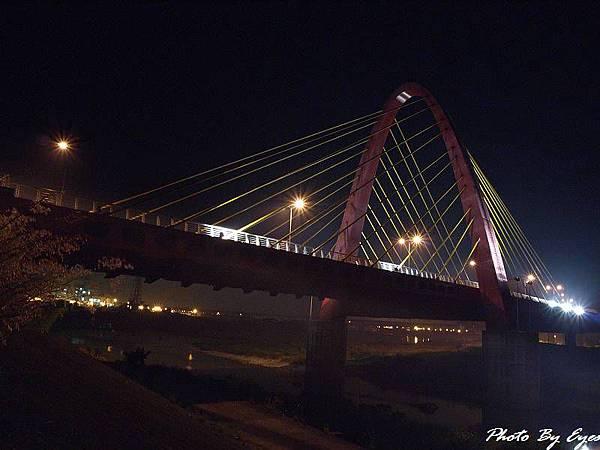 烏日斜張橋