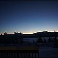 希利鎮上的觀測小屋  有方便看極光的陽台  走出屋外就可觀賞極光4窗外晨間景色.jpg