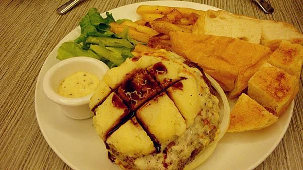 炭燒薯尼牛肉漢堡+9公格蜂蜜芥末