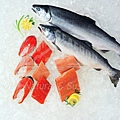 raw-whole-and-filleted-salmon.jpg