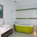 極簡北歐浴室房.jpg