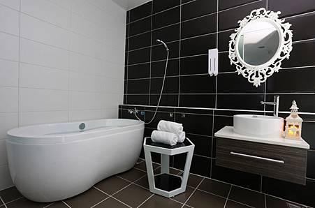 摩登時尚浴室.jpg