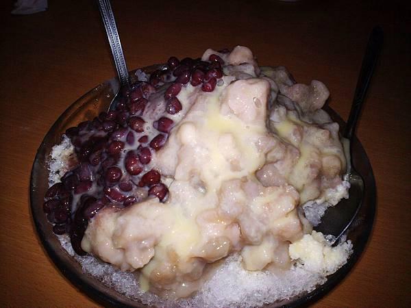 台北,永康街芋頭大王,芋頭紅豆牛奶冰,85分。