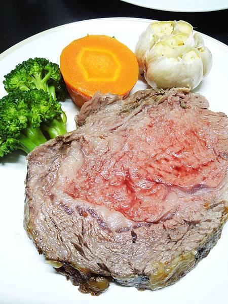 我家廚房,慢烤頂級肋眼牛排,95分!