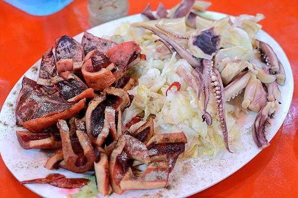 宜蘭,廟口紅糟魷魚,魷魚兩吃,85分。