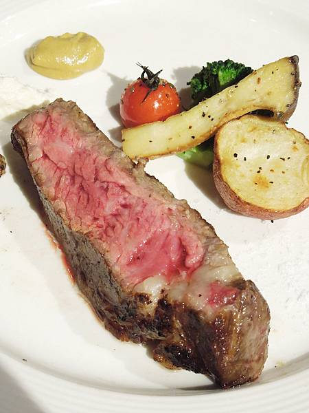 台北,Fresh & Aged Italian Steak House 美福食集,乾式熟成肋眼牛排,90分!