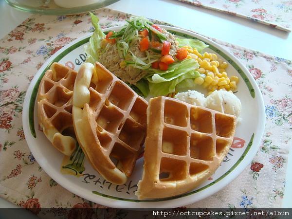 鮪魚沙拉厚鬆餅套餐-1