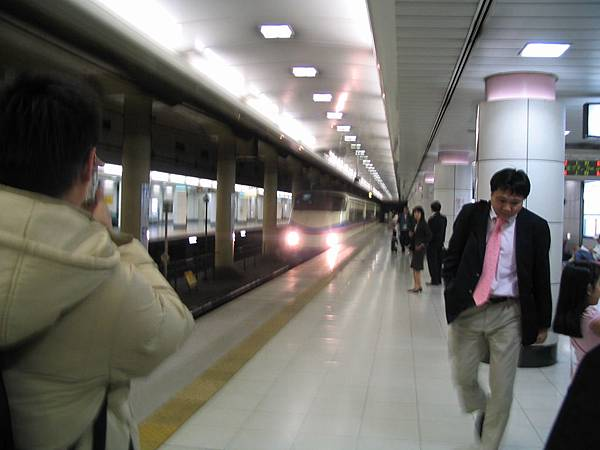 070406初到東京--搭乘京成Skyline前夕-02