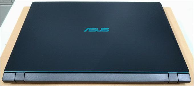 ASUS-X560UD-10.jpg