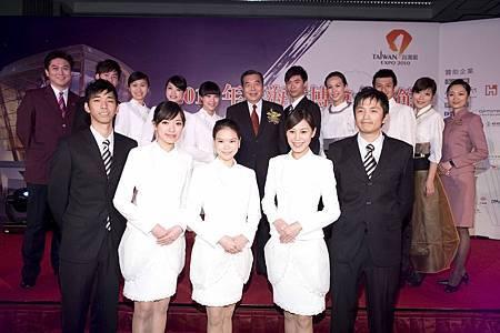 上海世博台灣館的親善領航員,原汁原味台灣青年,親切細心,成為台灣館最大賣點之一.JPG