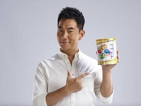 任賢齊說道:「雀巢的產品在我的日常生活中一直是一個很好的夥伴,值得信賴。為了自己未來十年後的健康及家人的幸福,隨時都要做好準備!」