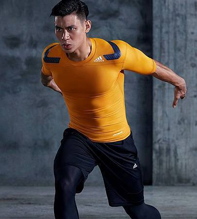 1. adidas推出全新2016春夏男性techfit®機能緊身衣系列,並邀請NBA巨星黃蜂隊後衛林書豪為系列款代言.jpg
