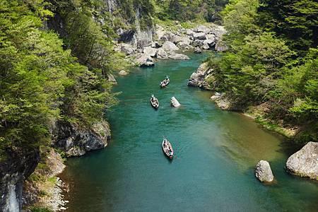 圖5:鬼怒川溫泉壯觀的美景,讓觀光遊客絡繹不絕.jpg