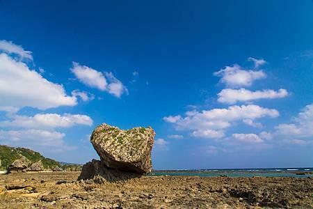圖3: 故有「戀之島」之稱的心形岩石.jpg