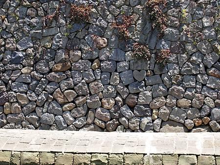 圖7:埋在眼鏡橋下的心形石塊是祈求願望的最佳首選.jpg